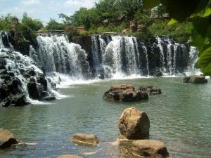 Thác nước ở khu bảo tồn thiên nhiên Nà Hang
