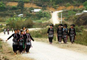 Những cô gái Nà Luồng trong bộ trang phục truyền thống