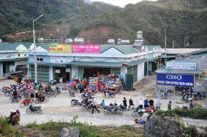 Chợ huyện Mận Nhùn