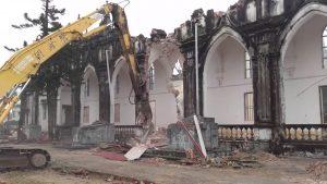 Cận cảnh nhà thờ bị dỡ bỏ gây nhiều tiếc nuối