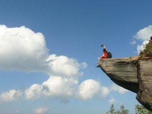 Ngồi ngắm mấy trên đỉnh núi Tà Xùa mộng mơ