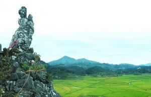 Nàng Tô Thị bồng con chờ chồng- biểu tượng của phụ nữ Việt