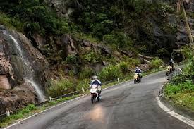 Con đường về với huyện Trà Lĩnh