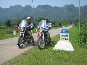 Phượt Lũng Vân bằng xe máy