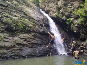 Suối Mỡ có nhiều hoạt động vui chơi bổ ích như leo núi,du lịch cộng đồng