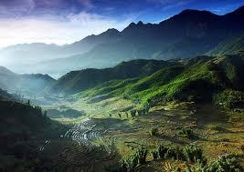 Những bản làng Pú Dao nằm bên những dãy núi hùng vĩ