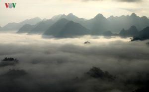 Pú Đao đẹp mênh mông bồng bênh sương sớm