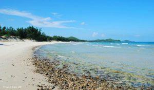 Một bãi biển xinh đẹp ở Vịnh Bái Tử Long