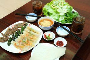 Ram nướng thịt đặc sắc hấp dẫn du khách gần xa