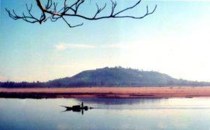 Núi Ấn- Sông Trà là cặp đôi thiêng ở xứ muối Sa Huỳnh