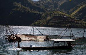 Những hình ảnh bình dị trên dòng sông Đà