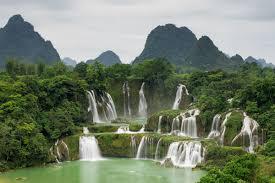 Thác bản Giốc nằm ở biên giới Việt nam- Trung Quốc