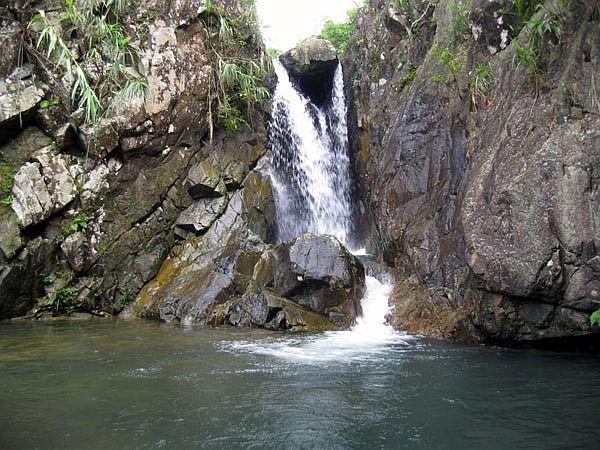 Đẹp thác Pác Sủi nổi tiếng ở huyện Tiên Yên