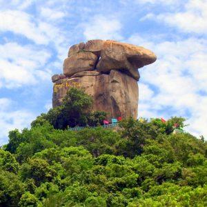 Đỉnh của ngọn núi Thất Sơn