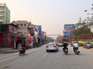Những phương tiện lưu thong trên đường phố thị xã Phổ Yên
