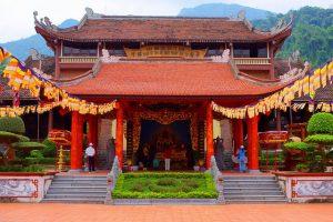 Thiền viện trúc lâm Yên Tử được dựng lên ngay chỗ vua Trần Nhân Tông dừng chân nghỉ lại khi lên núi tu hành