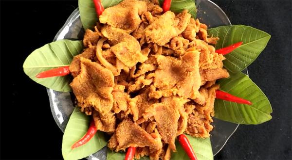 Thịt chua Thanh Sơn là món ăn truyền thống của người Mường