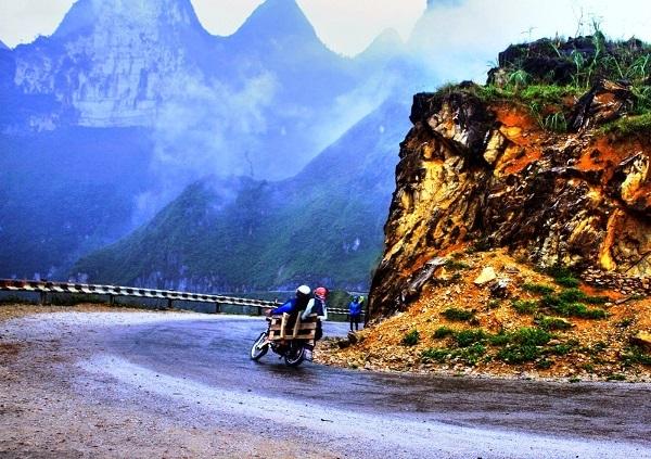 Những khúc cua thường thấy trong chuyến đi Hà Gianga