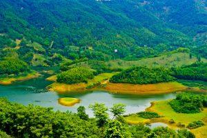 Thung Nai được ví như Vịnh Hạ Long ở vùng Tây Bắc
