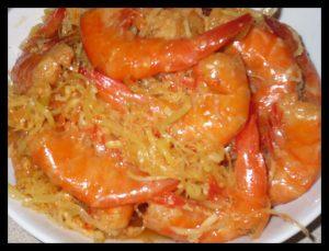 Tôm chua thơm ngon, đậm vị, ăn kèm với rau sống, rau rừng và thịt luộc là ngon nhất