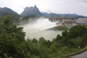 Vẻ đẹp ở Tuyên Quang với sông núi trùng điệp