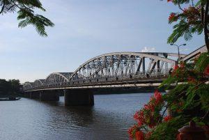 Cầu Trường Tiền lịch sử, biểu tượng của thành phố Huế