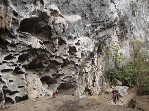 Hang Ngườm-di chỉ khảo cổ học có gias trị nghiên cứu và cảnh quan du lịch cao