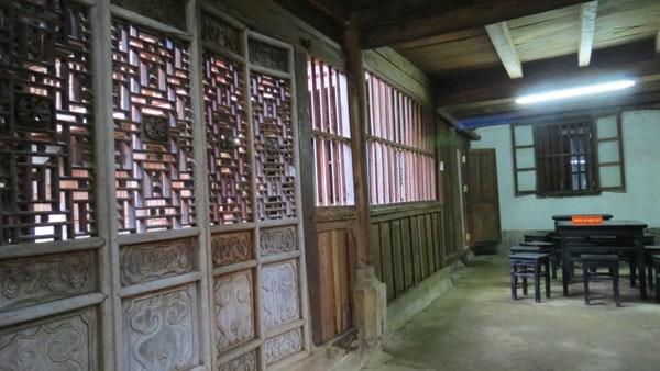 Một phòng trong dinh thự vua Mèo