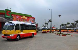 Xe buýt qua huyện Tan Nông