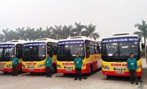 Hiện nay, tỉnh Hòa Bình có 3 tuyến xe buýt phục vụ du khách và người dân địa phương