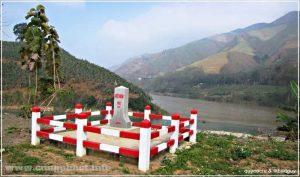 Cột mốc Lũng Pô -92 phía Việt Nam